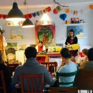 Lesung im Kunst und Kuchen Daniela Goldschmidt und Lisa Rau Leipzig Buchmesse Hael und die Spiegeltore